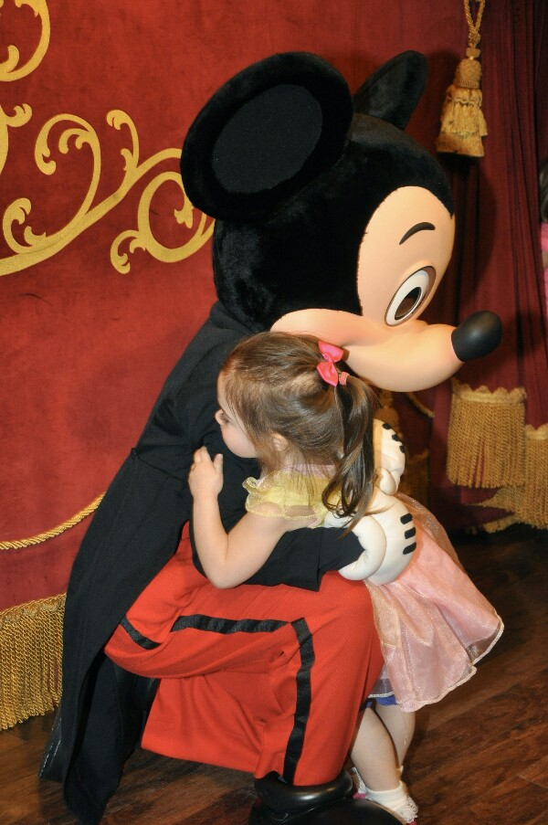 Going to Disney World for the first time is so exciting, but can cause anxiety, too. Find out what I wish I had known before our first trip.