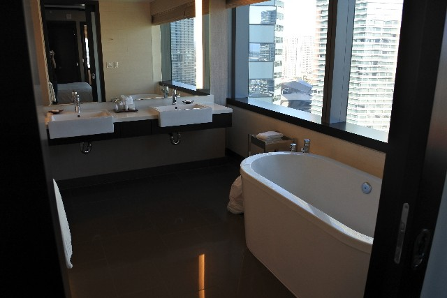 vdara-bathroom