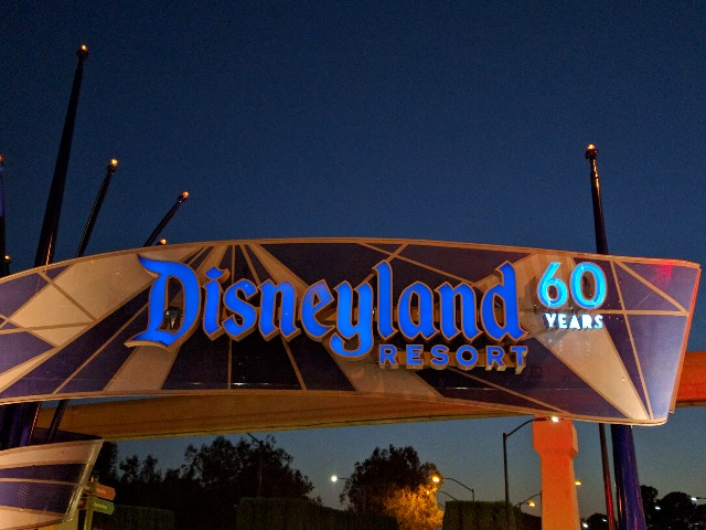 Disneyland entrance sign diamond celebration