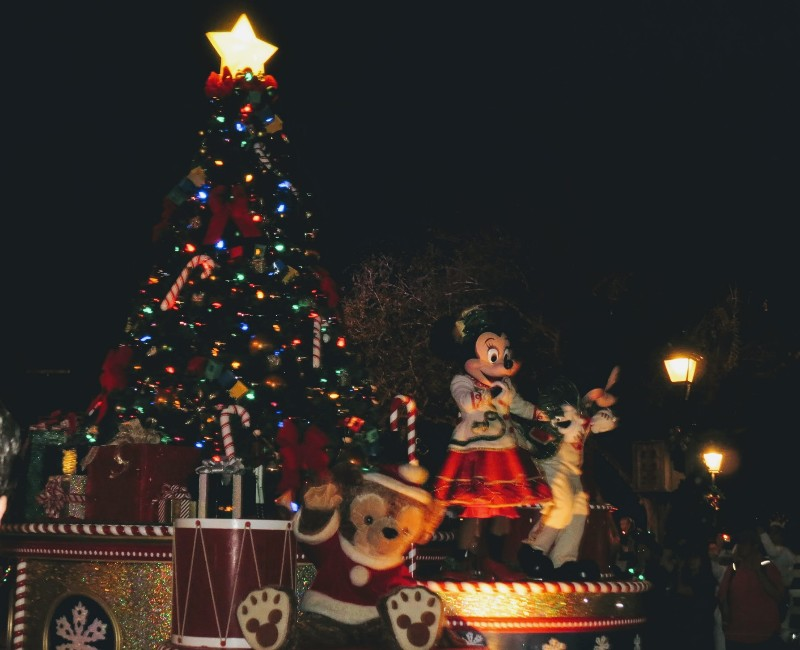 Disney World at Christmas is truly magical. Get inspired for your Christmas Disney World trip with our phototour and tips for a Very Merry Disney trip. #disneychristmas #disneyworld #magickingdom #disney