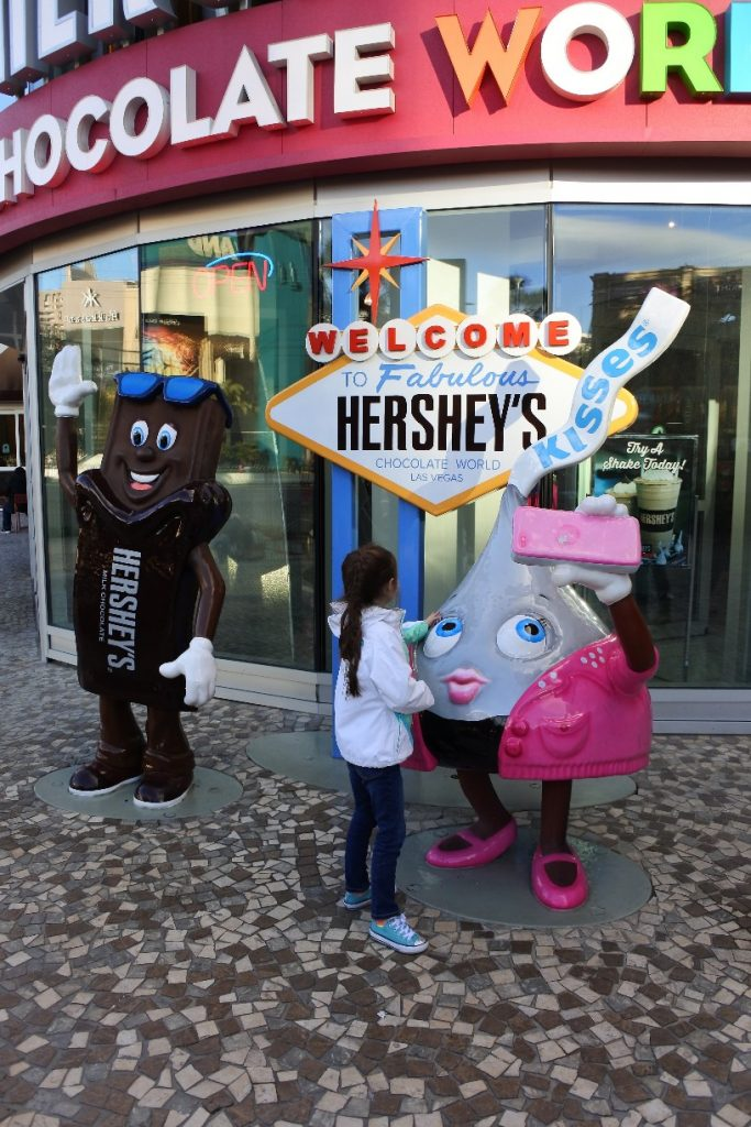 Las Vegas with Kids - A guide on what to see on your family trip to Vegas (Hershey's Chocolate World)