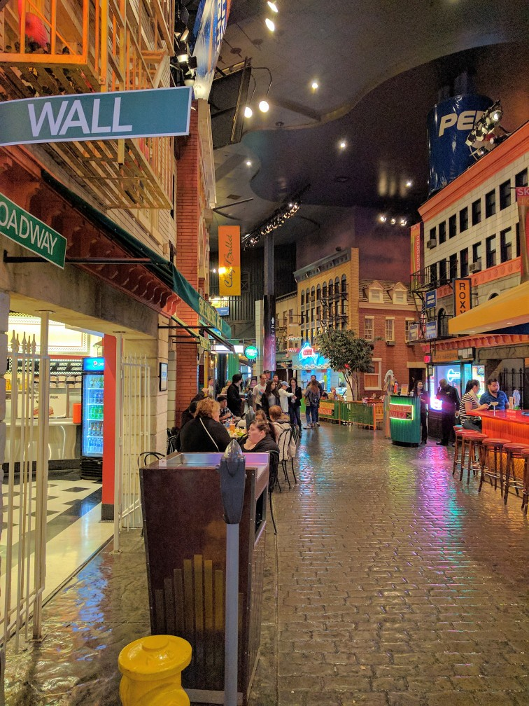 Las Vegas with Kids - A guide on what to see on your family trip to Vegas (New York New York Food Court)