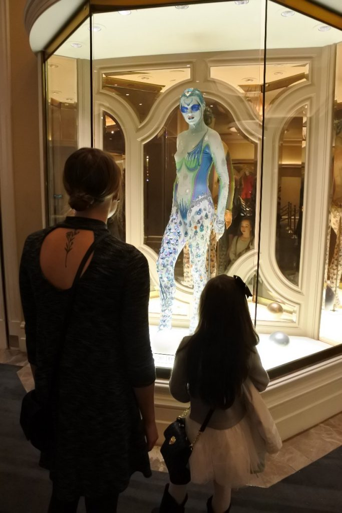 "Las Vegas with Kids - A guide on what to see on your family trip to Vegas (Cirque du Soleil ""O"")"