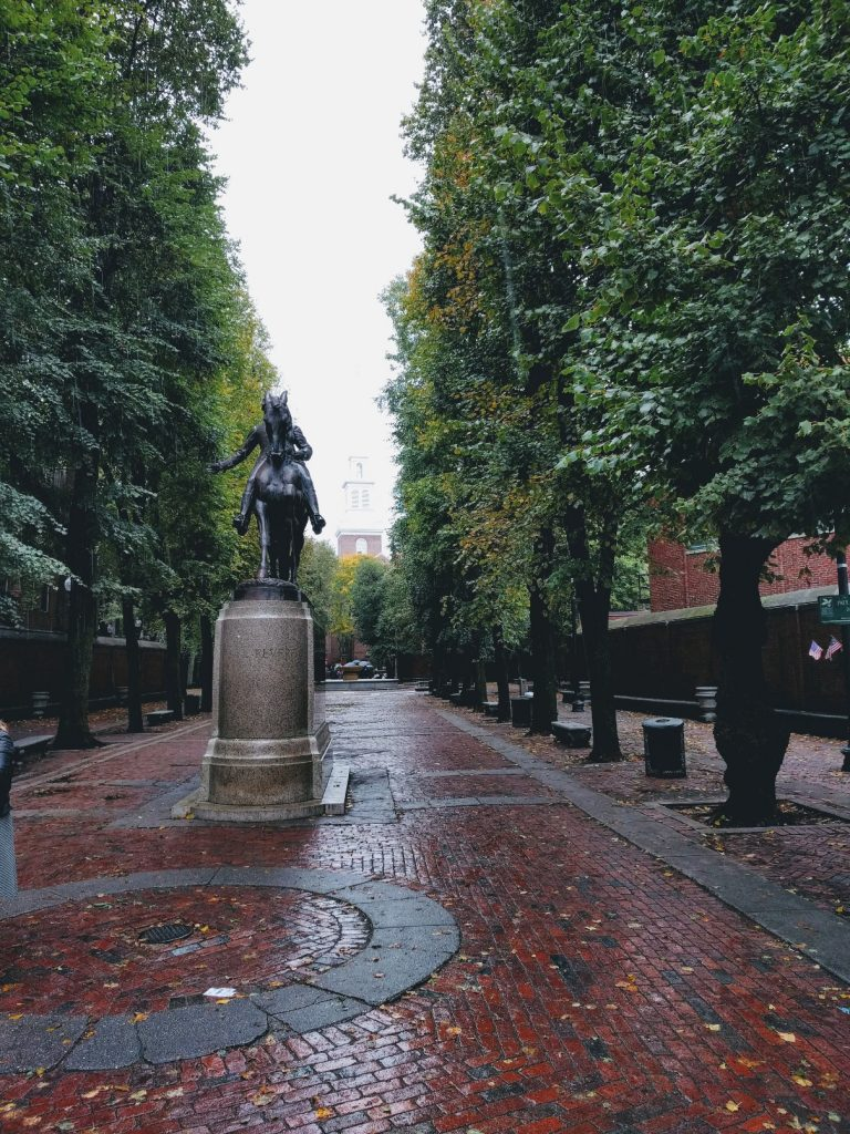 Planning a trip to Boston? Here is my complete 2 day itinerary for most seasons and travel groups. This Boston itinerary will allow you to see many historic sights and eat at several amazing places, too.