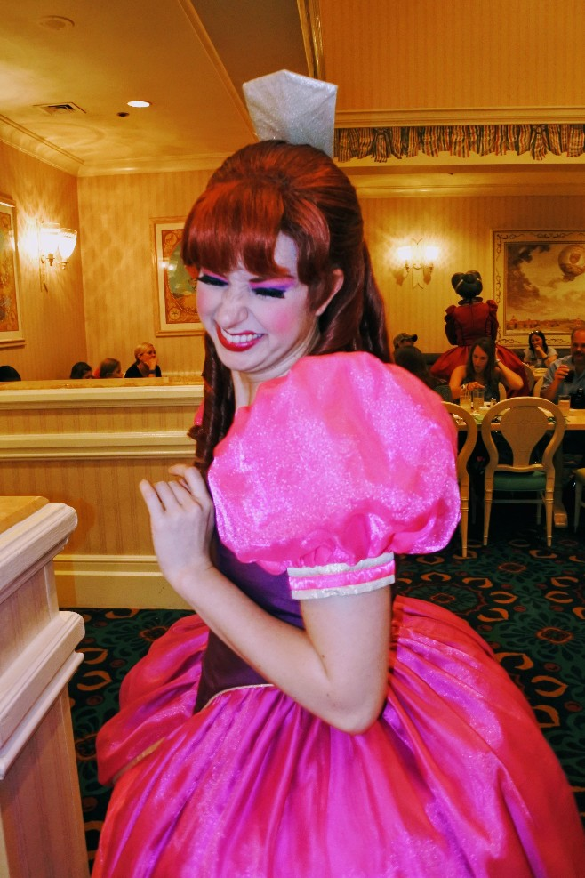 Looking for a Cinderella meal at Disney World? Or maybe it's the wicked stepmother and stepsisters you seek? Find out if Cinderella's Happily Ever After Dinner is worth it in my 1900 Park Fare dinner review. #disneyworld #1900parkfare