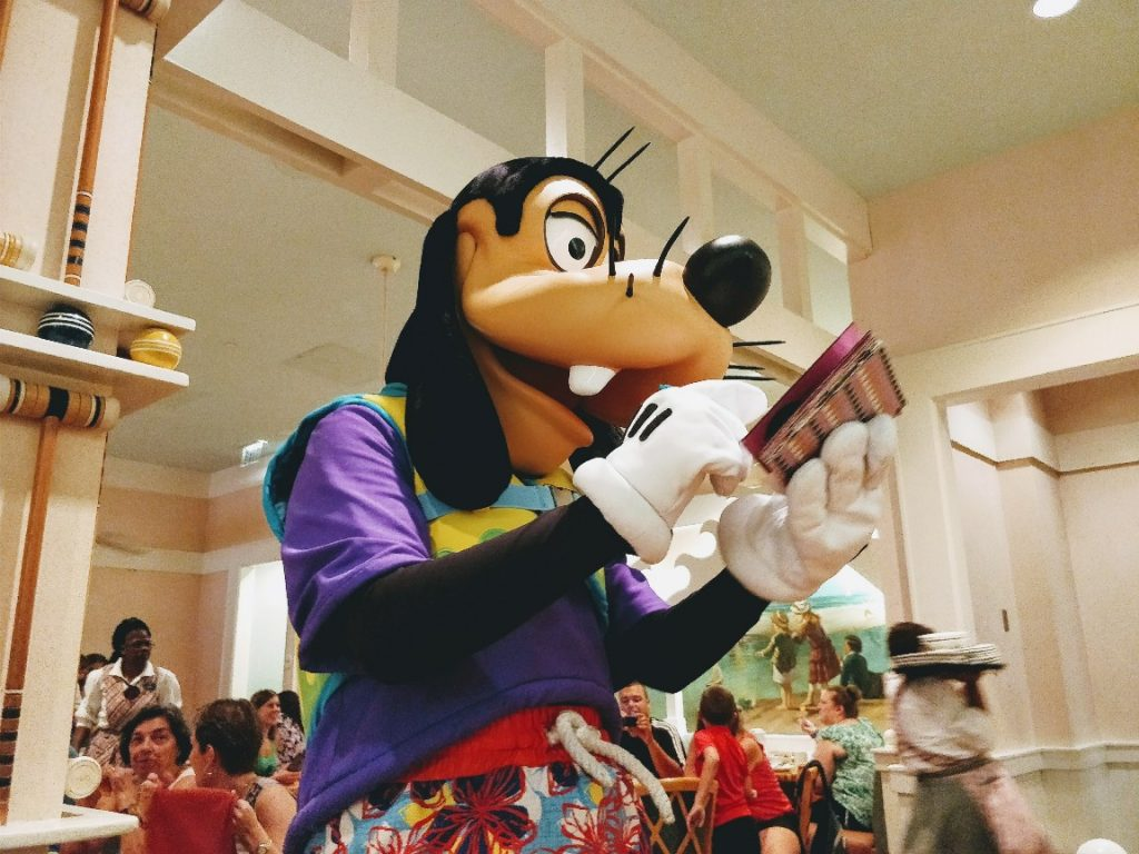 Looking for a relaxed character meal at Disney World? See why Cape May Cafe breakfast with Minnie and friends is a great way to start your morning!