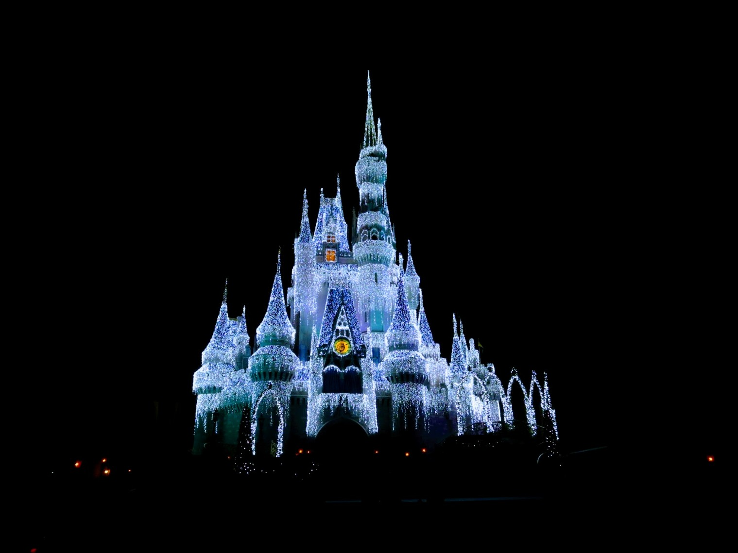 bbd22f86f29cf Is Mickey s Very Merry Christmas Party Worth The Expense  - Smart ...