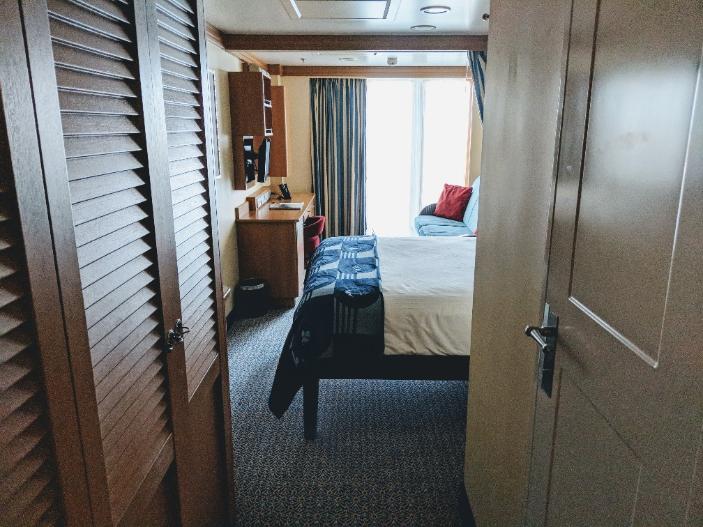 Choosing the right Disney Cruise stateroom is a big decision when booking your vacation. Find out why I think the Disney Dream Deluxe Oceanview Stateroom with Verandah is a great choice for your family and why we would pick the same room on our next Disney cruise.