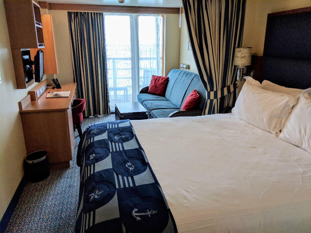Choosing the right Disney Cruise stateroom is a big decision when booking your vacation. Find out why I think the Disney Dream Deluxe Oceanview Stateroom with Verandah is a great choice for your family and why we would pick the same room on our next Disney cruise. #disneycruise #disneystateroom