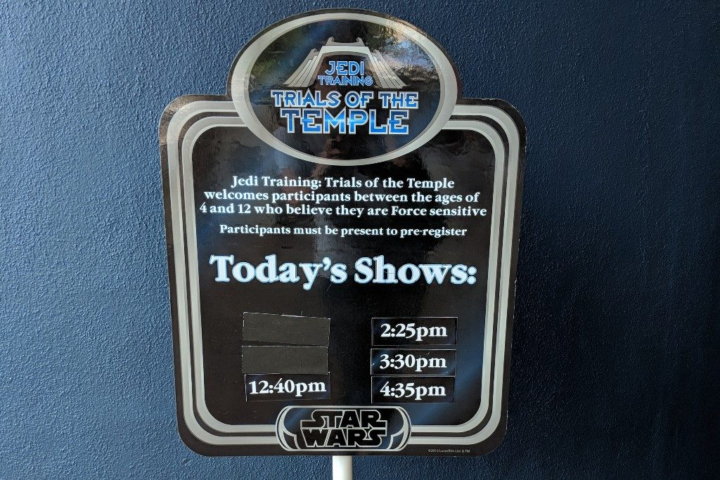 Disneyland Jedi Training is a live show where Star Wars fans can become a Jedi. Find out how to register and tips to prep your kids to fight the Dark Side. #disneyland #starwars #jeditraining