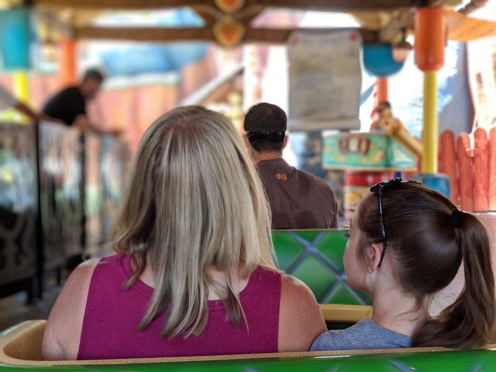 Disneyland MaxPass is a convenient way to book FastPasses at Disneyland, but is it worth the extra cost? Find out how and when I recommend using MaxPass. #disneyland #maxpass #fastpass