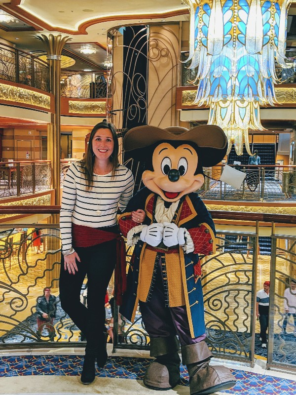 Did you know there are many ways to meet characters on a Disney Cruise? Read our best tips for meeting them and how to find your favorites. #disneycruise #disneycharacters #disneyvacation