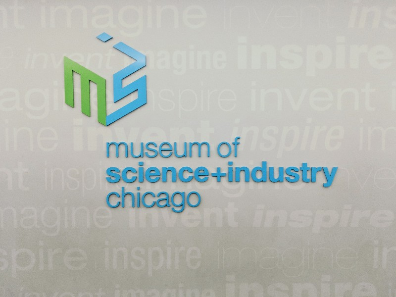 Visiting the Museum of Science and Indstry should be on your Chicago bucket list. Here are our member tips for visiting the Museum of Science and Industry. #chicago #familytravel #msi #museumofscienceandindustry #chicagotravel