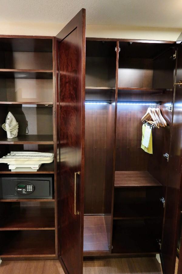 Disney S Yacht Club Resort Review Standard View Room