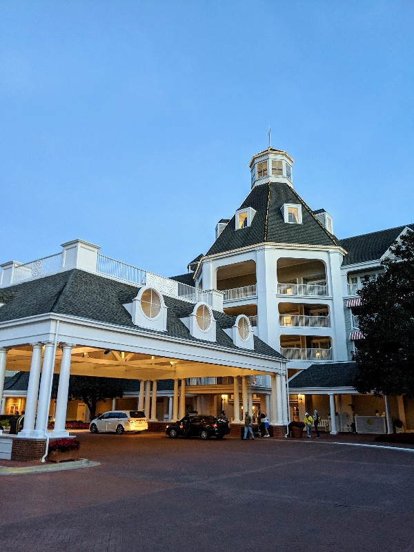 Disney's Yacht Club Resort is a beautiful deluxe resort located near Epcot. Find out more about Yacht Club Resort and our standard view room experience. #disneysyachtclub #disneyworld #disneyresort #familytravel #disneyvacation
