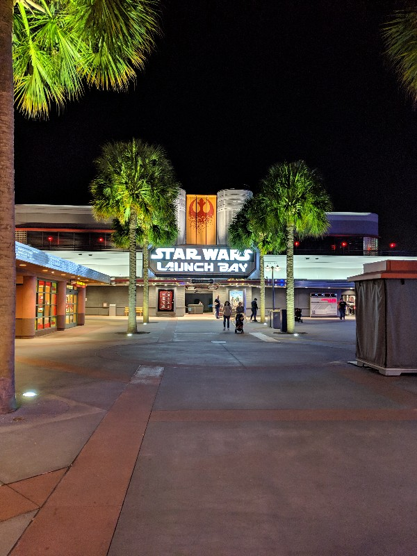 Hollywood Studios Disney After Dark is a way to experience the best of Hollywood Studios without crowds. Learn what to expect at this limited time event! #disneyworld #hollywoodstudios #disneyafterhours
