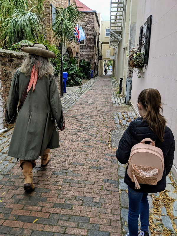 Charleston, SC oozes southern charm and has something for everyone. These are our favorite Charleston family vacation ideas to plan your family trip. #familyvacation #charleston #southcarolina #familytrip