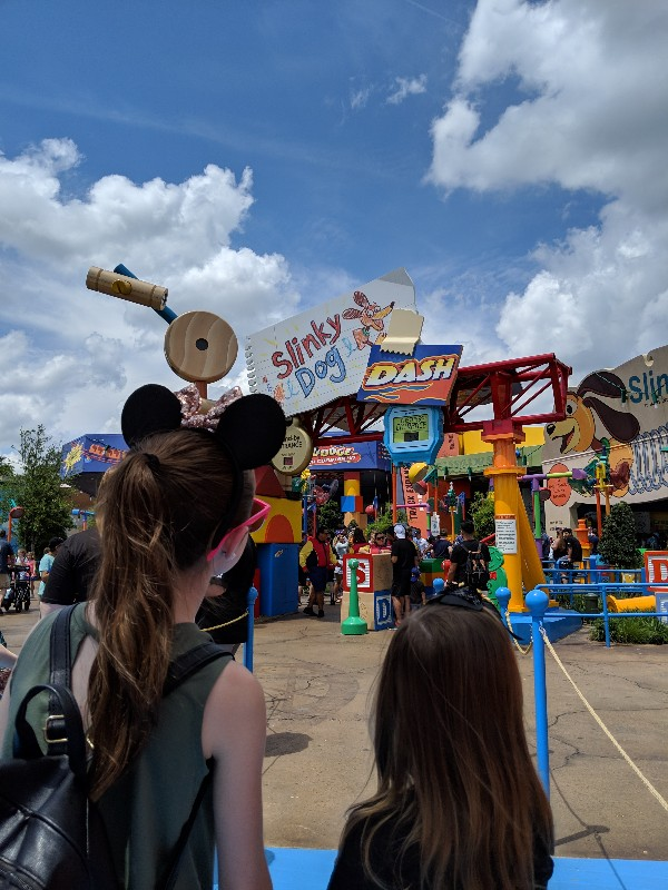 Hot days at Disney World can still be fun. Learn how to beat the heat at Disney World with our family tested tips and make the most of your vacation time. #disneyworld #disneysummer #beattheheat #familyvacation