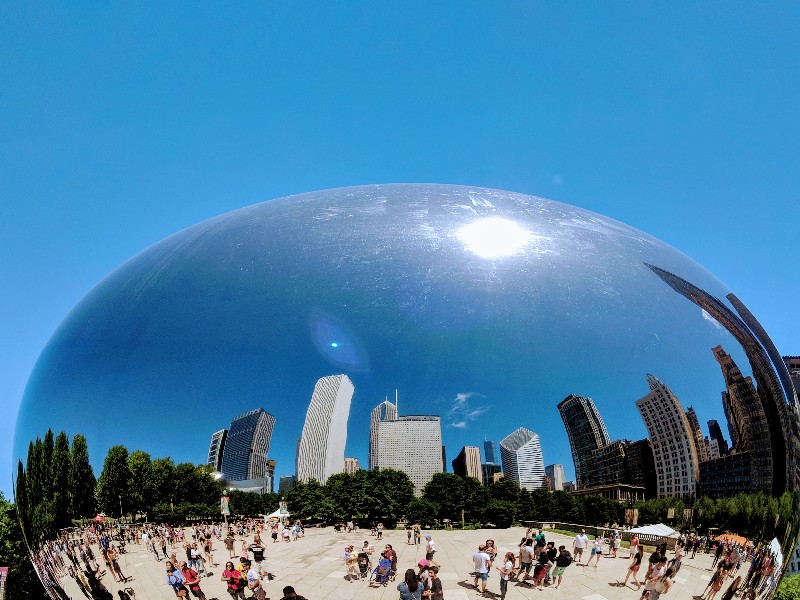 Local girl's guide to free and cheap activities at Millennium Park Chicago. Find out more about our favorite things to do at Millennium Park Chicago. #chicago #visitchicago #familytravel #freeandcheap