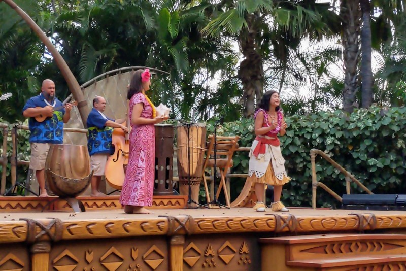 The Disney Aulani Kawa'a Lu'au is an entertaining and educational way to learn about Hawaiian culture, but was our VIP experience worth it? #disneyaulani #aulani #hawaii #luau