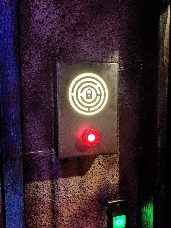 The Escape Game has the perfect balance of family friendly themes, challenging problems, and exciting adventures that is hard to find at other escape rooms. #theescapegame #escaperoom #familyfun #chicago #visitchicago #familytravel