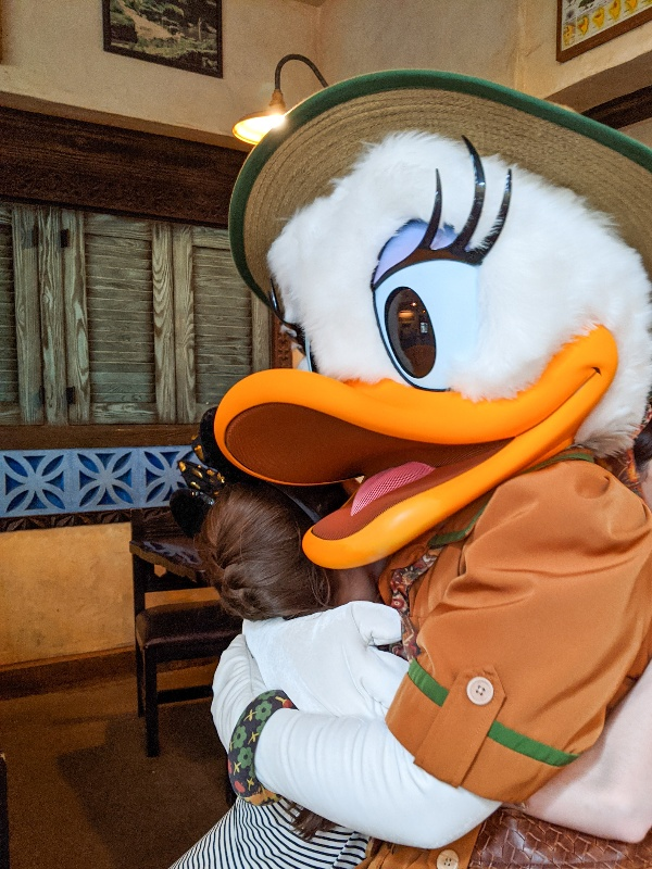 Disney World's Tusker House character meal at Animal Kingdom is a fun way to try some new foods plus see some favorite Disney characters. #disneyworld #disneycharacters #charactermeals #disneytips
