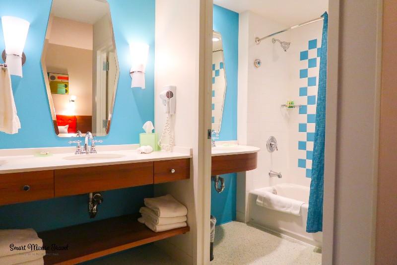Cabana Bay Beach Resort split bathroom with two sinks